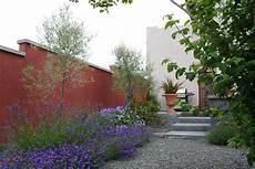 Mediterranen Garten Gestalten - mediterranean garden design how to create a tuscan garden