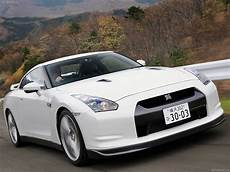 buy nissan gt r for your family and get luxury travel