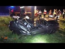 de de voiture mortel mortel une voiture percute un arbre 224