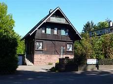 fremde garage auf eigenem sch 246 nes 1 familienhaus holzhaus mit grossem grundst 252 ck
