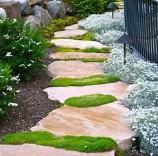 Weg Im Garten 18 Tolle Ideen Aus Verschiedenen Materialien