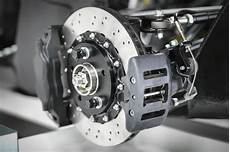 how your car s brake calipers work