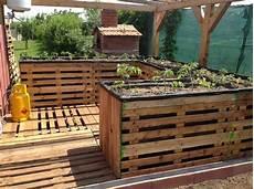 elevated pallet garden planters 1001 pallets