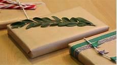 papier cadeau original comment faire des emballages cadeaux originaux avec du
