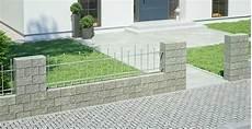 mauer mit zaun gartenmauer ganz einfach selber bauen obi gartenplaner