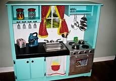 in cucina con i bambini come costruire una cucina in legno per bambini non sprecare