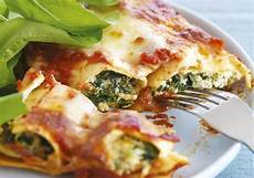 Cannelloni Spinat Ricotta - spinach ricotta cannelloni with tomato sauce recipe