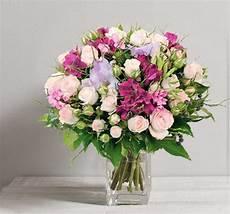 5 Beaux Bouquets Propos 233 S Par Interflora Pour La F 234 Te Des