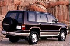 how it works cars 1992 isuzu space interior lighting 1992 02 isuzu trooper consumer guide auto