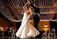 entertainment ideas for a unique wedding reception top 10 and unique wedding entertainment ideas