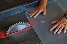 how to accurately cut plexiglass with just a jigsaw sawshub