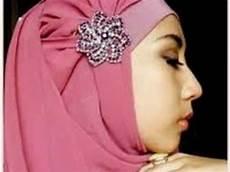 Tips Menggunakan Jilbab Pesta