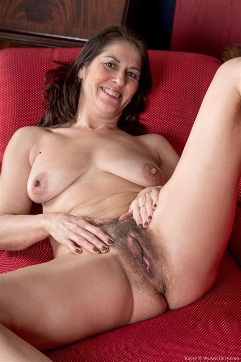 Hairy Mature Mom Tube