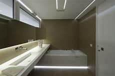 eclairage indirect salle de bain 201 clairage indirect et int 233 rieur blanc minimaliste dans une
