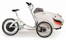 Triobike Mono E Il Cargo E Bike Per Il Trasporto Di