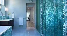 mattonelle bagni moderni bagno con pavimenti e rivestimenti in mosaico 100 idee