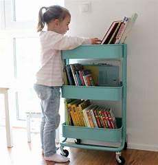 Ikea Kinder Bücherregal - die 25 besten ideen zu b 252 cherregal kinderzimmer auf