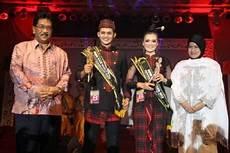 indahnya wisata indonesiaku sarung tenun samarinda tajong samarinda samarinda seberang
