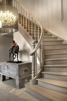 L Escalier Tournant En 40 Jolies Photos Repeindre