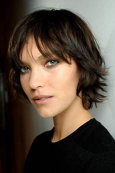 8 wonderful hairstyles for growing out short hair fashion nicepricesell com