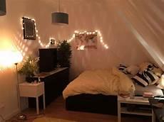 Gem 252 Tliche Wg Zimmer Einrichtung Mit Lichterkette Gro 223 Em