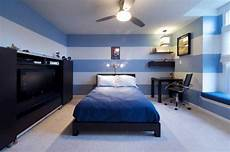 wandfarbe blau schlafzimmer 18 fancy bedrooms with striped accent walls