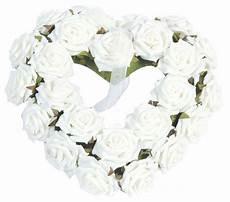 couronne de coeur de roses blanches centerblog
