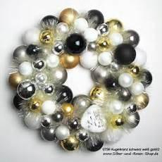 türkranz weihnachten kugeln t 252 rkranz weihnachten kugeln schwarz wei 223 gold