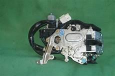 04 10 toyota rear power sliding door lock latch passenger right side rh interior door
