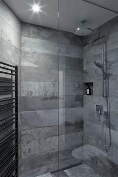 salle de bain beton 68851 carrelage effet b 233 ton concord 233 avec le mobilier minimaliste d un loft