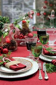 weihnachtstisch festlich dekorieren die besten 25 tischdecke weihnachten ideen auf