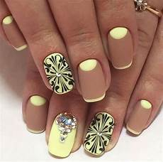 10 mind blowing celebrity nail art designs that you will