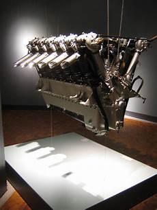 V Motor