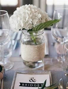 tischdeko mit hortensien fr 252 hling deko ideen wei 223 e hortensien tisch marmeladenglas