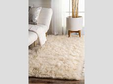 Rugs: Smooth Fuzzy Rugs For Comfortable Interior Floor