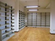 scaffali per biblioteche scaffali per ufficio a gancio