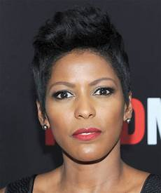 tamron hall hairstyle tamron hall short straight casual hairstyle ash hair color
