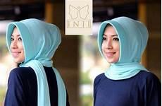 Gaya Terbaru 68 Warna Jilbab Biru Wardah