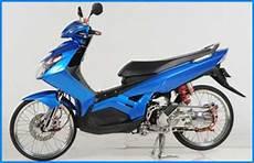 Modifikasi Warna Motor Mio by Modifikasi Stiker Motor Mio Warna Biru Oto Trendz