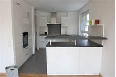 küche weiß hochglanz arbeitsplatte arctar arbeitsplatte k 252 che metall