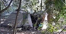 consolato egiziano a tende e baracche l quot hotel disperazione quot ecco l altra