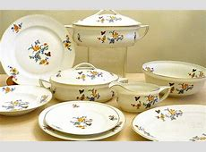 RESERVED FOR L. Vintage French dinnerware set for 12