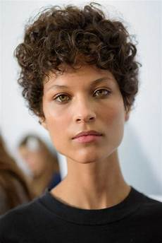 Ways To Style Curly Hair 3 flattering ways to style curly hair all things