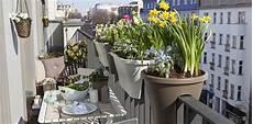 Wie Kann Ich Meinen Balkon Gestalten Ideen Tipps