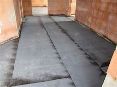 bodenplatte abdichten neubau unser hausbau weitere dacharbeiten und versiegelung der