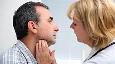 geschwollene lymphknoten hals sind geschwollene lymphknoten an ohr und hals immer ein