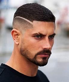 coupe de cheveux homme avec trait 2019 coiffures cheveux