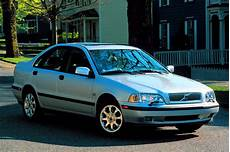 how it works cars 2000 volvo s40 regenerative braking 2000 04 volvo s40 v40 consumer guide auto