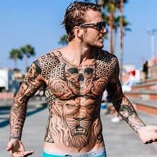 pin auf tattoos