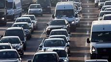 wie viele warnwesten im auto deutschland so viele fahrzeuge wie noch nie in deutschland auto